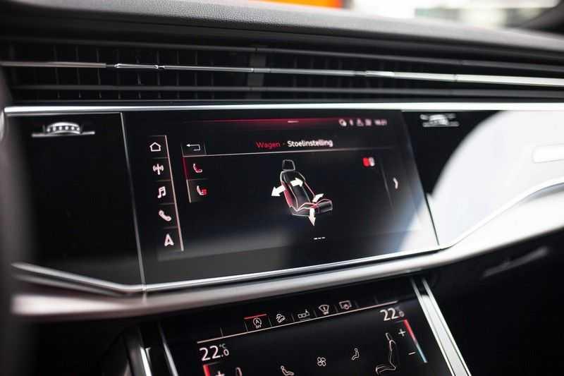 """Audi Q8 50 TDI Quattro *S-line / 23"""" / Panorama / Matrix-LED / Standkachel* afbeelding 12"""