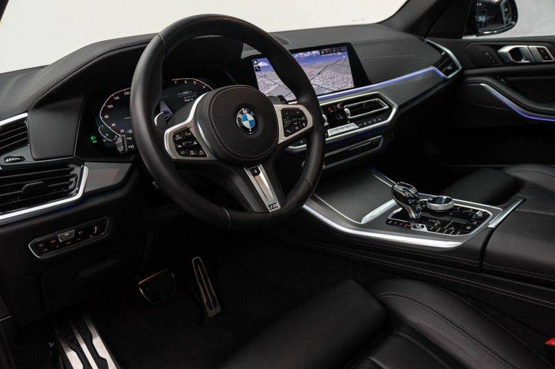 "BMW X5 M40i xDrive 340pk Panoramadak VirtualCockpit ShadowLine Sportleder+Memory Head-Up Hifi Luchtvering ACC Laserlicht AmbientLight Keyless Sportuitlaat 22"" 360Camera ParkAssist Pdc afbeelding 20"