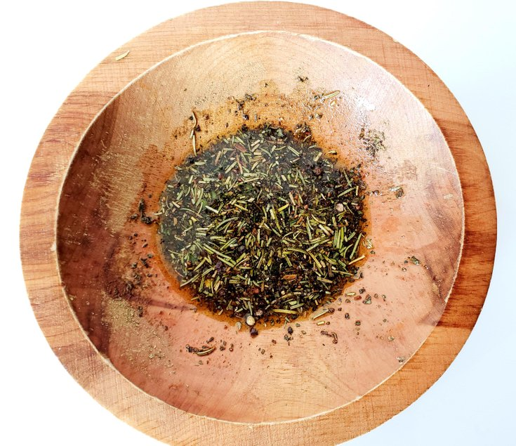 Spice Blend with dried basil, sage, rosemary, thyme, and olive oil