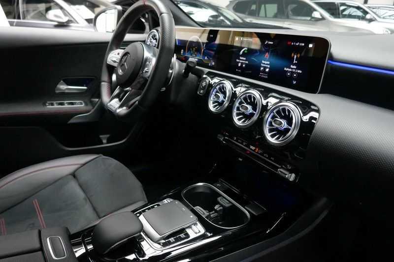 Mercedes-Benz A-Klasse A35 AMG 4MATIC Sfeer verlichting afbeelding 23