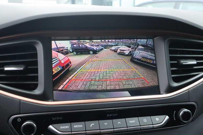 Hyundai IONIQ Comfort EV 4% Bijtelling NIEUW!! 21.116 ex. BTW Navigatie Adaptive-Cruise *tot 24 maanden garantie (*vraag naar de voorwaarden) afbeelding 9