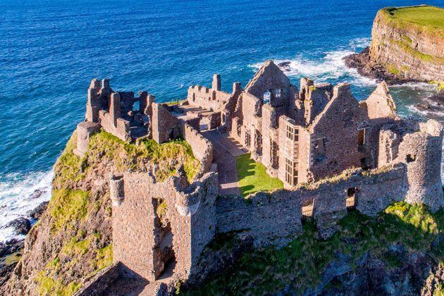 Chauffeur Me Tour Location - Duncluce Castle