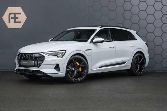 """Audi e-tron e-tron 55 quattro advanced Pro Line S DECEMBER 2018!! € 146,- netto bijtelling pm! Head-up + B&O etc. Tot januari 2024 4% bijtelling!! Prijs inclusief 22"""" velgen"""