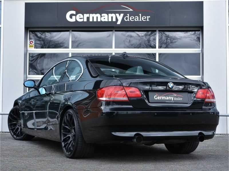 BMW 3 Serie Coupe 335i High Executive M-Perf uitlaat Leer Navi Breyton velgen 1e eigenaar afbeelding 10