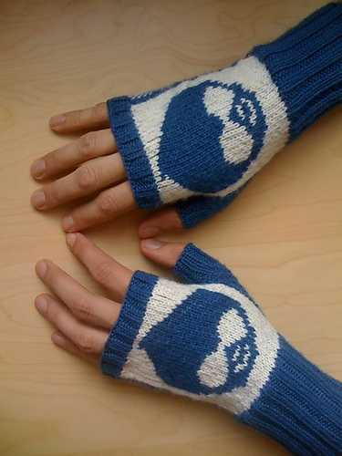 Drupal mittens I made for Drewish back in the day