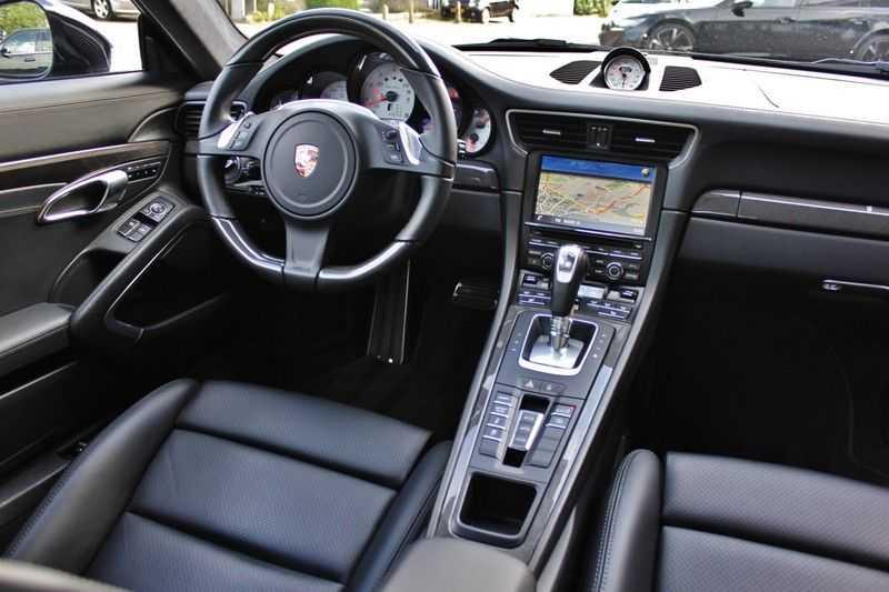 Porsche 911 3.8 Turbo 520pk PDK **E.dak/PCM/Carbon/Bose** afbeelding 15