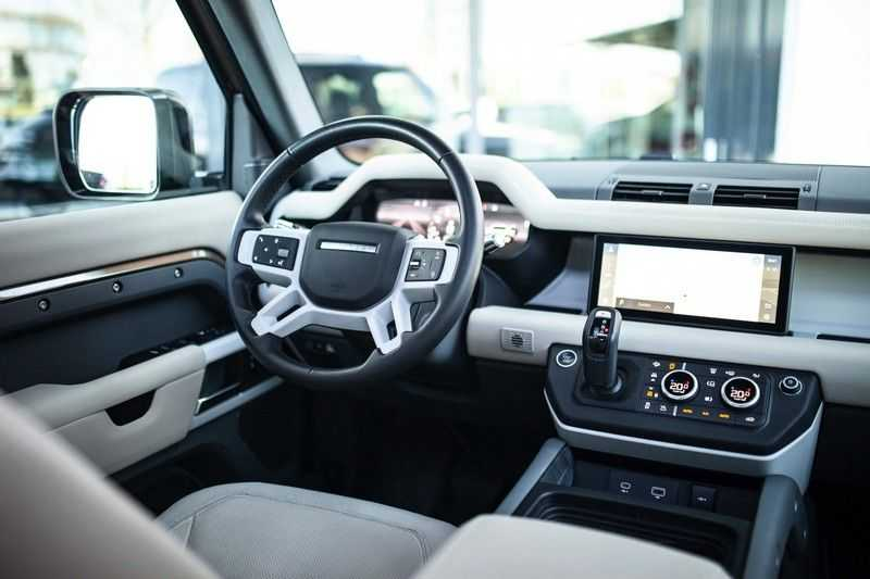 Land Rover Defender 110 3.0 P400 First Edition *Pano / Trekhaak / Meridian / DAB / Memory / 360 Camera* afbeelding 4