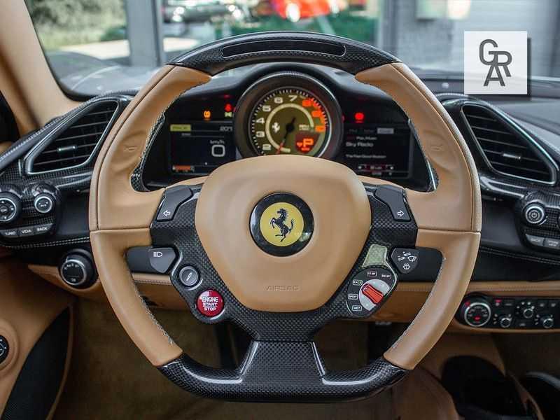 Ferrari 488 3.9 GTB HELE afbeelding 11