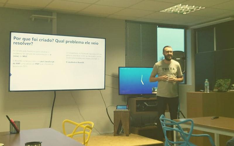 Tech Talk sobre React na Accera