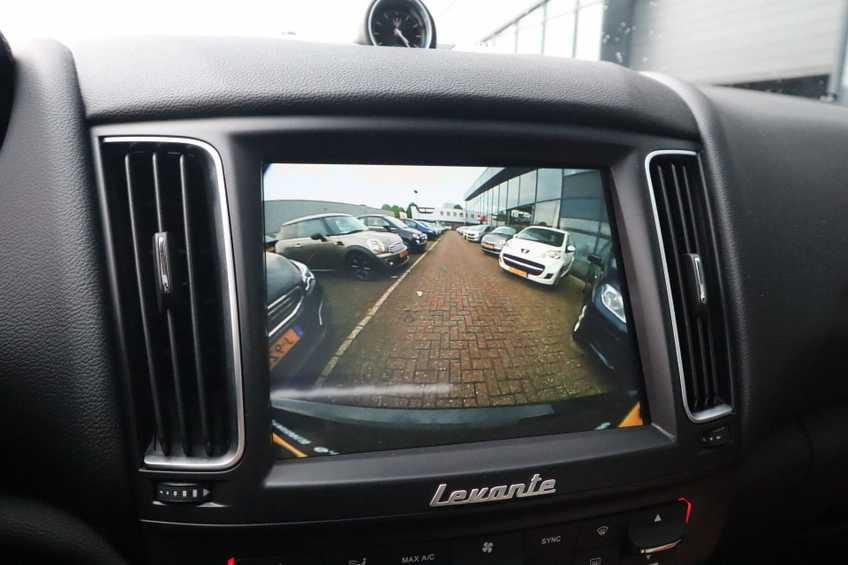 """Maserati Levante 3.0 V6 D AWD STARTECH UNIEK! Panoramadak Diamond Leder Xenon 21""""LM 275 PK! *tot 24 maanden garantie (*vraag naar de voorwaarden) afbeelding 27"""