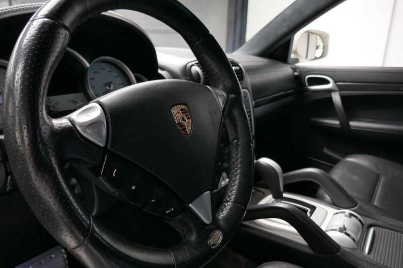 Porsche Cayenne 4.8 Turbo TECHART Magnum afbeelding 15