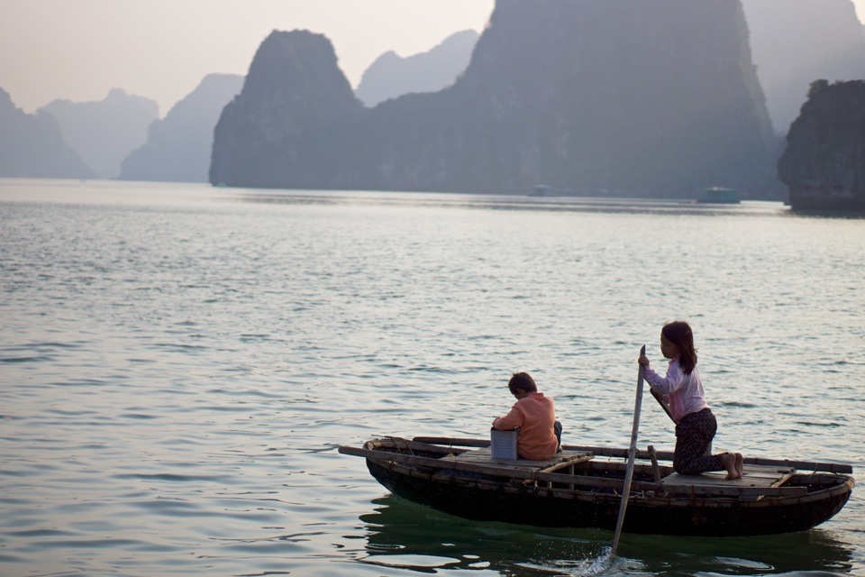 Ha Long Bay children