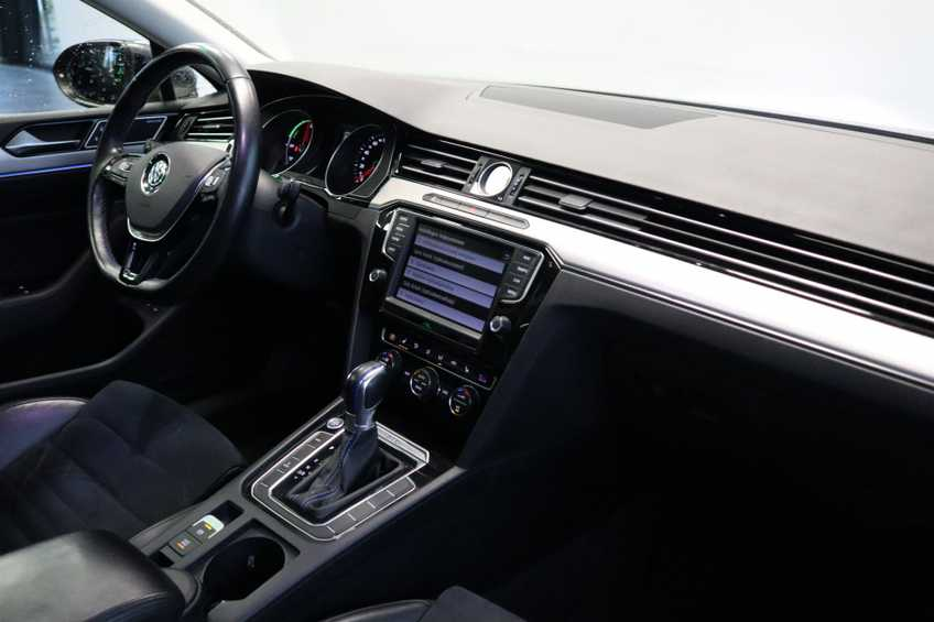 Volkswagen Passat Variant 1.4 TSI GTE Highline Panoramadak 360 Camera Navi Full LED  MARGE afbeelding 25