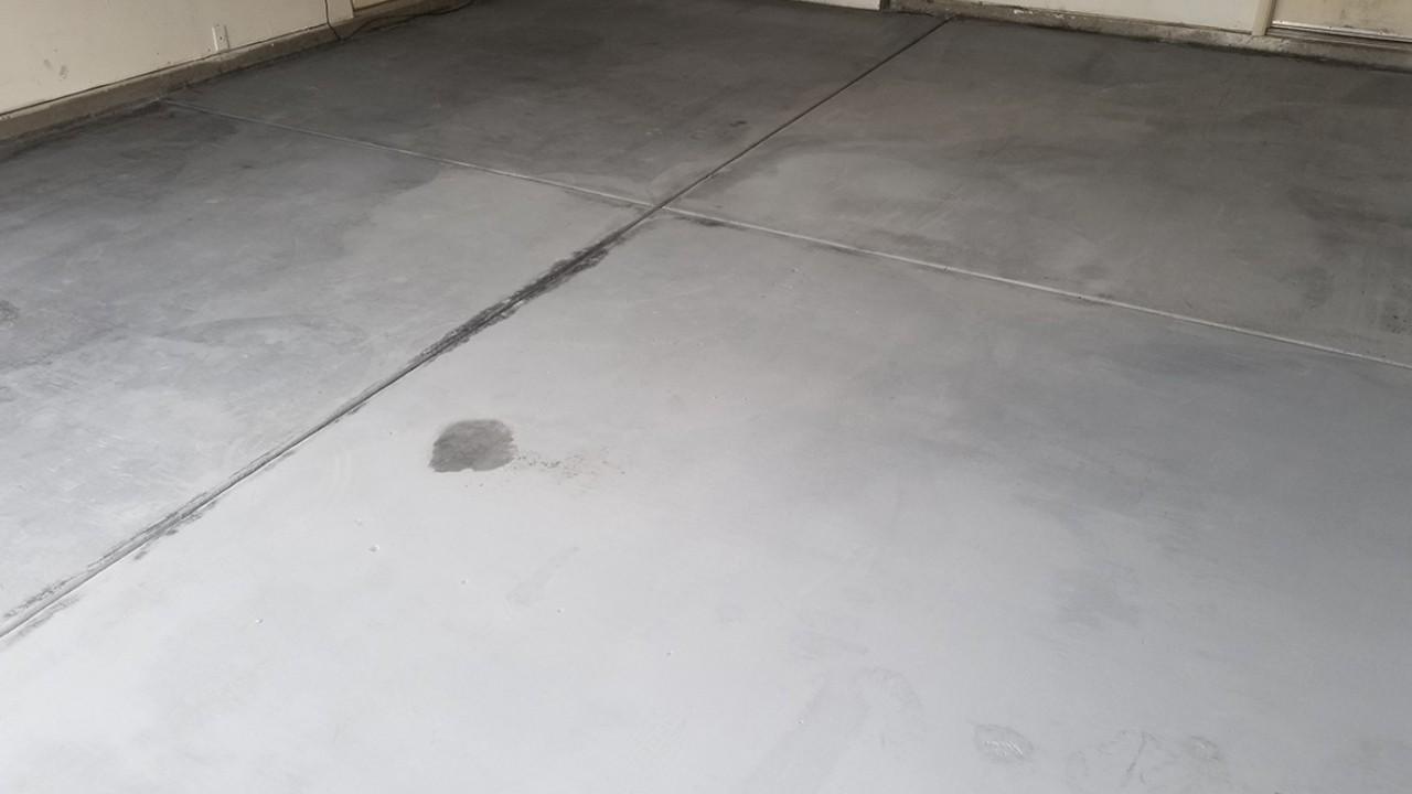 pressure-washing-residential-garage-floor--after