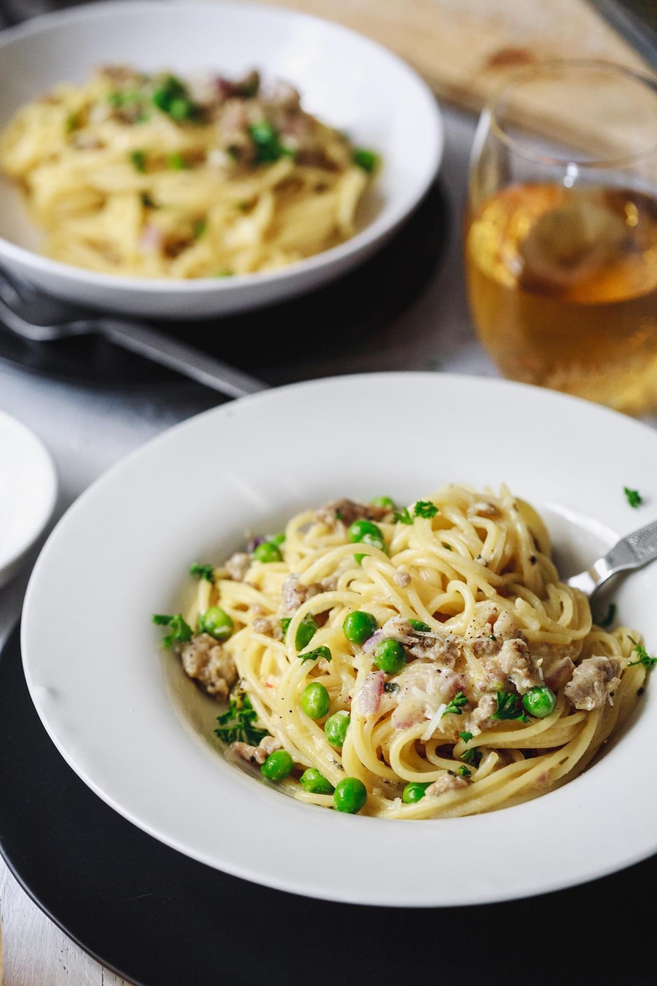 Sausage and peas spaghetti alla carbonara