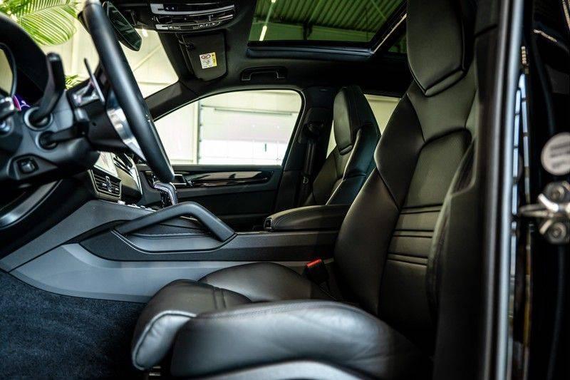 Porsche Cayenne 3.0 E-Hybrid   Panorama   Memory   360 gradencamera   Sport Chrono   DAB afbeelding 14