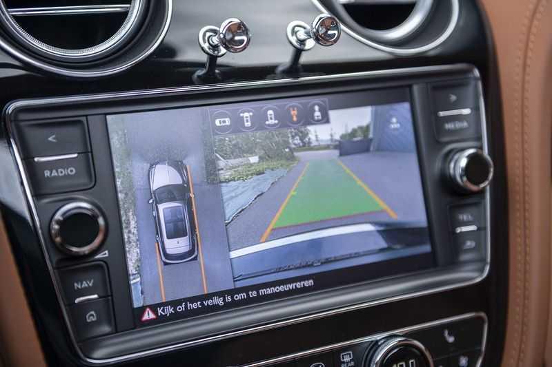Bentley Bentayga 4.0 D (BTW AUTO) Elektrische trekhaak + Apple Carplay + Adaptive Cruise + Nachtzicht + Werkelijk in nieuwstaat afbeelding 23