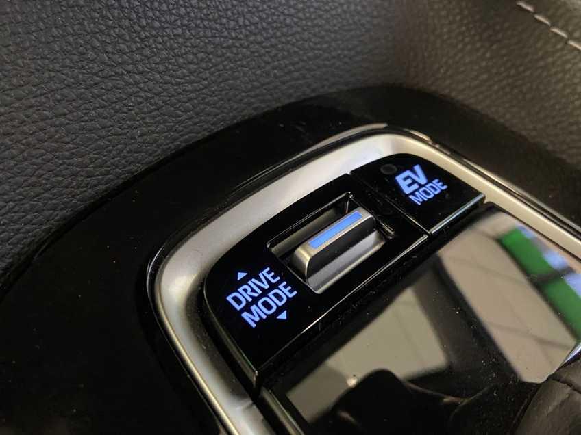 Toyota Corolla 2.0 Hybrid GR-Sport climate control  cruise control adaptive *tot 24 maanden garantie (*vraag naar de voorwaarden) afbeelding 8