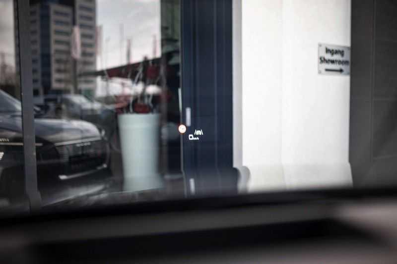 "Audi e-tron Sportback 50 Quattro S Edition *Pano / HUD / 21"" / Stad Pakket / DAB* afbeelding 3"