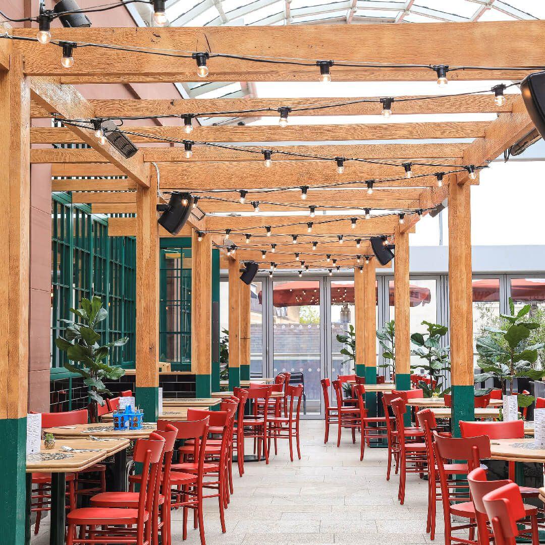 Rosa's Thai Café Leeds seating area