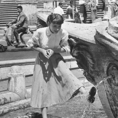 Одри Хепберн насъемках фильма «Римские каникулы», AFP