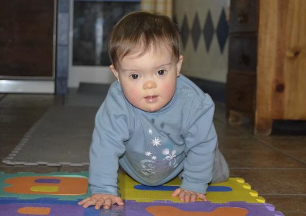 downs-syndrome-trisomy21-sofia-begins-creeping