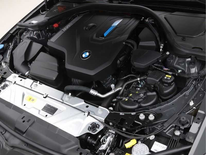 BMW 3 Serie Touring 320e High Exe M-Sport afbeelding 9
