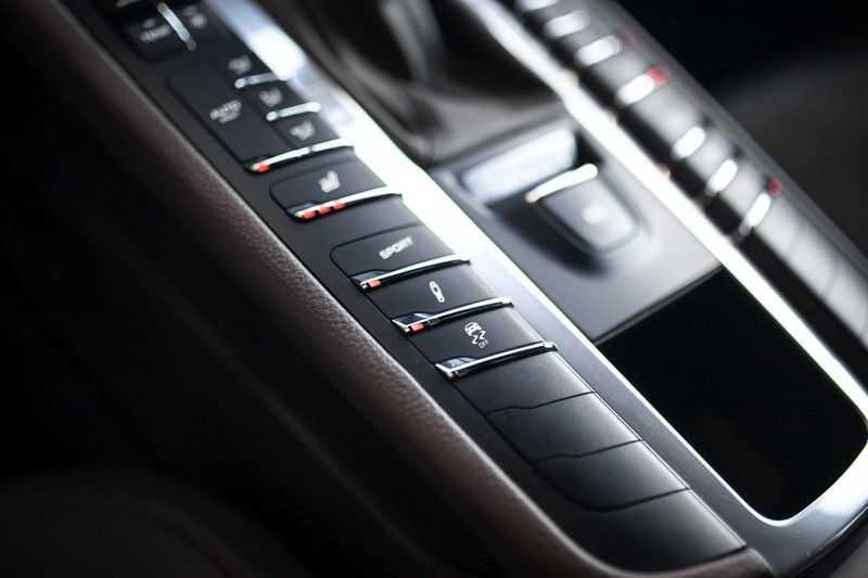 Porsche Macan 2.0 *BOSE / PASM / PDLS+ / PVTS+ / Stoel- & Stuurverwarming* afbeelding 12