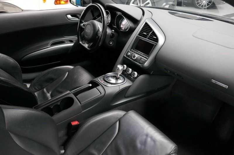 Audi R8 4.2 V8 FSI Quattro Black Edition afbeelding 25