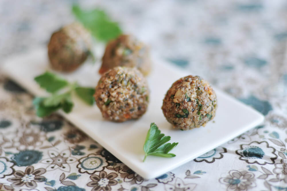 Raw food falafel