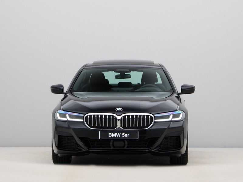 BMW 5 Serie 530i High Exe M-Sport afbeelding 15
