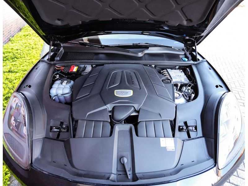 Porsche Cayenne 3.0 E-Hybrid *Pano*Chrono*ACC*PASM*HUD*Bose* afbeelding 3