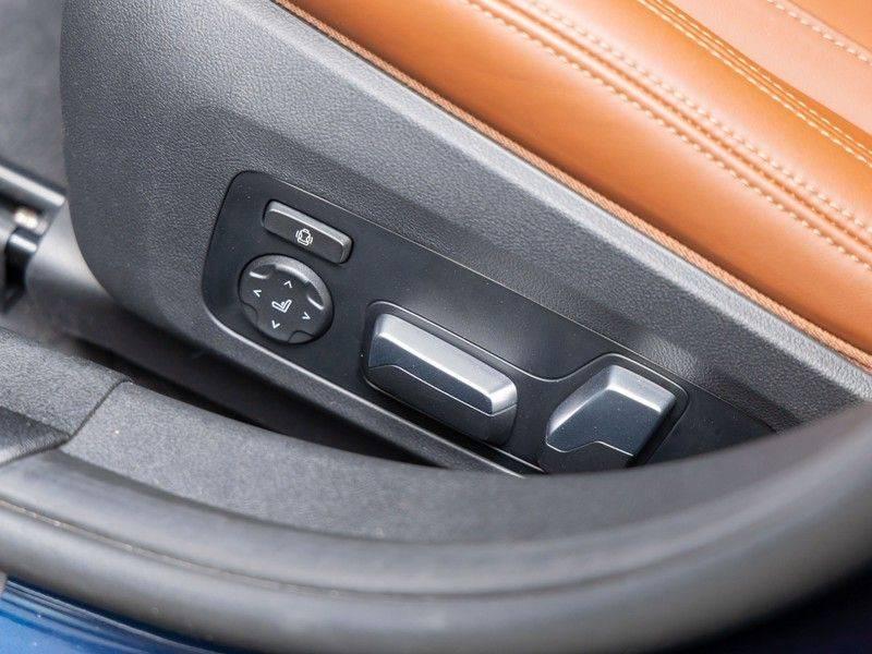 BMW 3 Serie Touring 330i M-Sport - Individual - Memoryzetels - Trekhaak - Panorama afbeelding 20