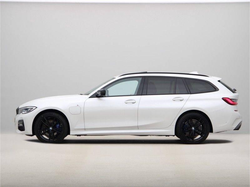 BMW 3 Serie 330e xDrive Touring High Executive afbeelding 12