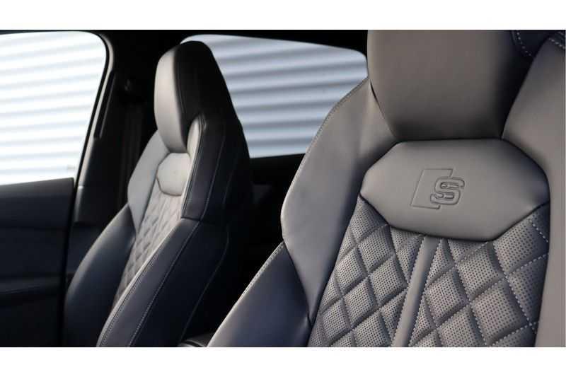 Audi Q7 60 TFSI e quattro Competition BOSE, Panoramakdak, Massage, DAB, Ruitstiksel afbeelding 17