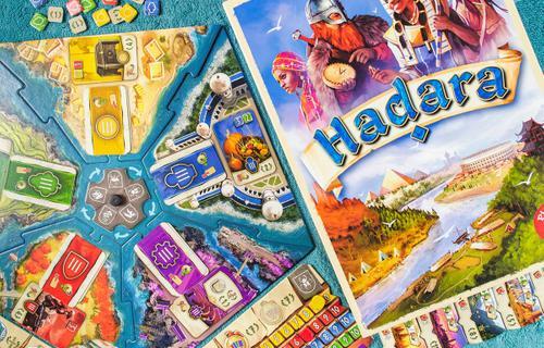 Hadara: stratégiai társasjáték gyerekeknek is