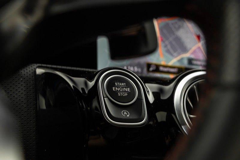"Mercedes-Benz A-Klasse A35 AMG 306pk 4Matic AeroPack Panoramadak Nightpakket Schaalstoelen+Memory Widescreen Burmester AmbientLight Multibeam RideControl SuperSportStuur ComandOnline Full-Led 19"" Parktronic Camera Pdc afbeelding 23"
