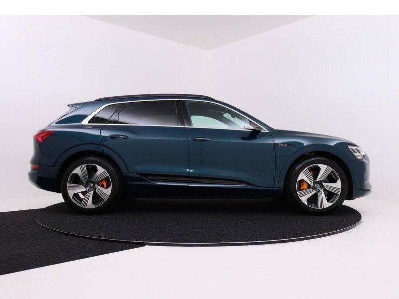 Audi e-tron 55 Quattro Incl. BTW | +/- €130 netto bijtelling| Camerabeeld spiegels | Adapt. Cruise | NAVI | Head-Up Display | 21 Inch | Matrix LED | 360 Camera | B&O | DAB | Keyless-Entry | Pano-Dak | afbeelding 9