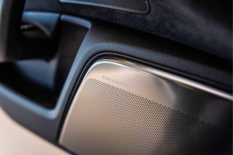 Audi RS6 Avant 4.0 TFSI quattro Performance   Ceramic   B&O   Head-up Display   Panorama   Milltek uitlaatsysteem afbeelding 16