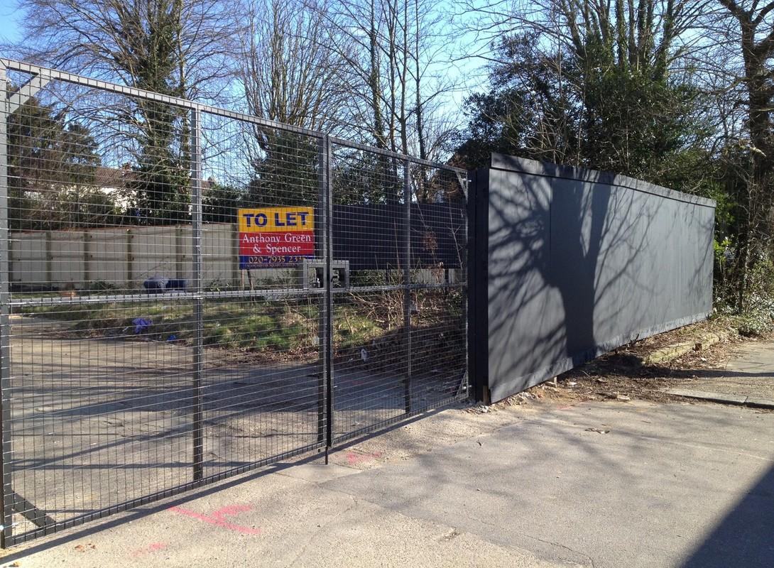 Timber hoarding gate