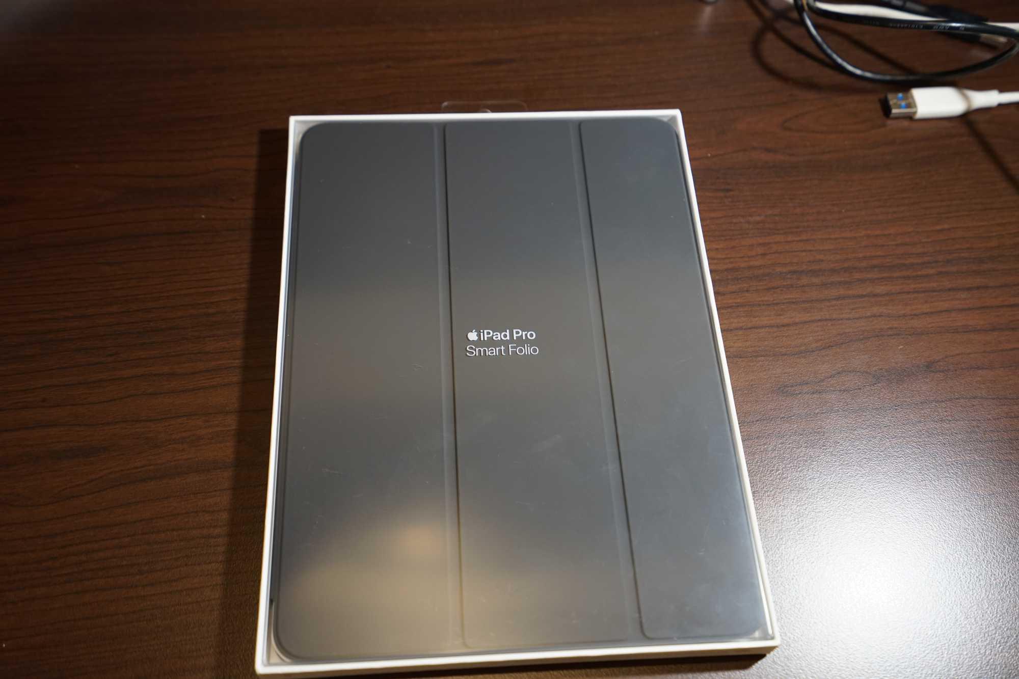 Apple Smart Folio Box Front