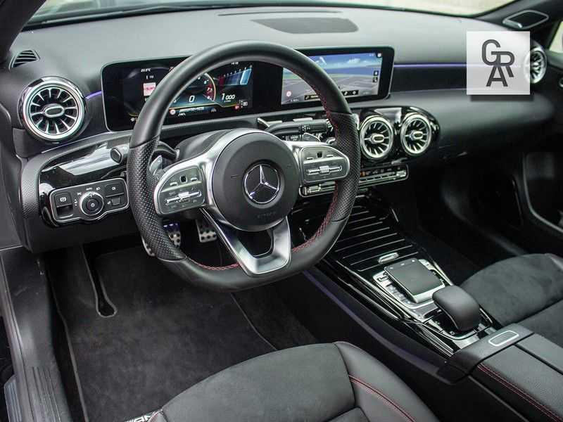 Mercedes-Benz A-Klasse A35 AMG AKRAPOVIC 4MATIC Advantage 370 PK afbeelding 10