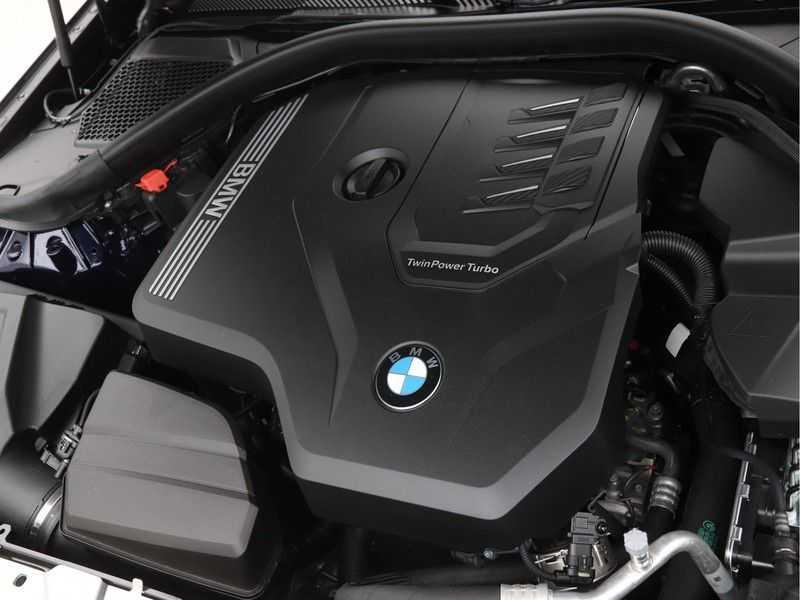 BMW 3 Serie 320i Exe M-Sport Aut. afbeelding 9