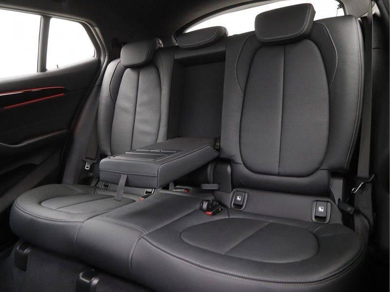 BMW X2 sDrive20i High Exe M-Sport afbeelding 14