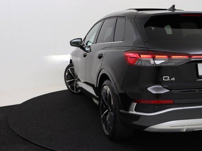 Audi Q4 40 e-tron Launch edition S Competition | Panoramadak | Lederen bekleding | Sonos | Head-up display afbeelding 17