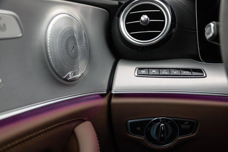 """Mercedes-Benz E-Klasse E63s AMG 4Matic 612pk Panoramadak Distronic Schaalstoelen Burmester ComandOnline Keyless 20"""" Parktronic Pdc VerlengdeGarantie t/m 03/2022 afbeelding 17"""