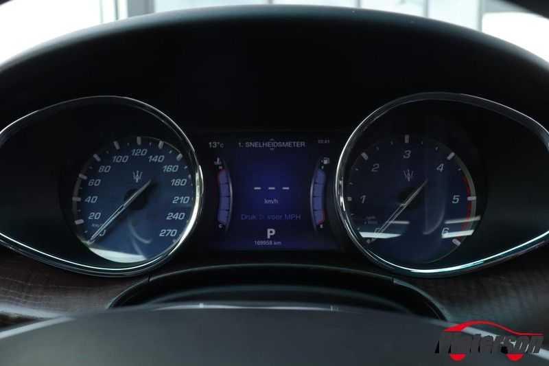 Maserati Quattroporte 3.0 D V6 SCHUIFDAK CAMERA LEDER afbeelding 14