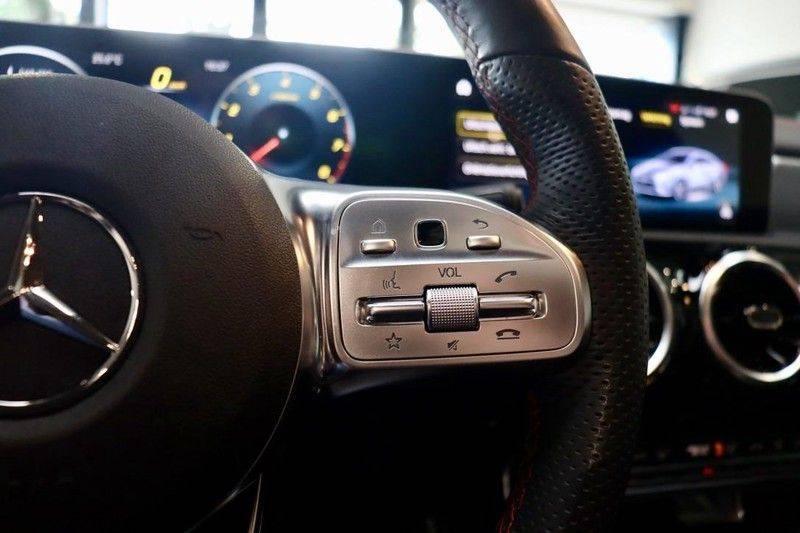 Mercedes-Benz CLA-Klasse 220 Premium Plus AMG|NIGHT|PANO|TREKHK Mercedes-Benz CLA-klasse 220 Premium Plus afbeelding 24