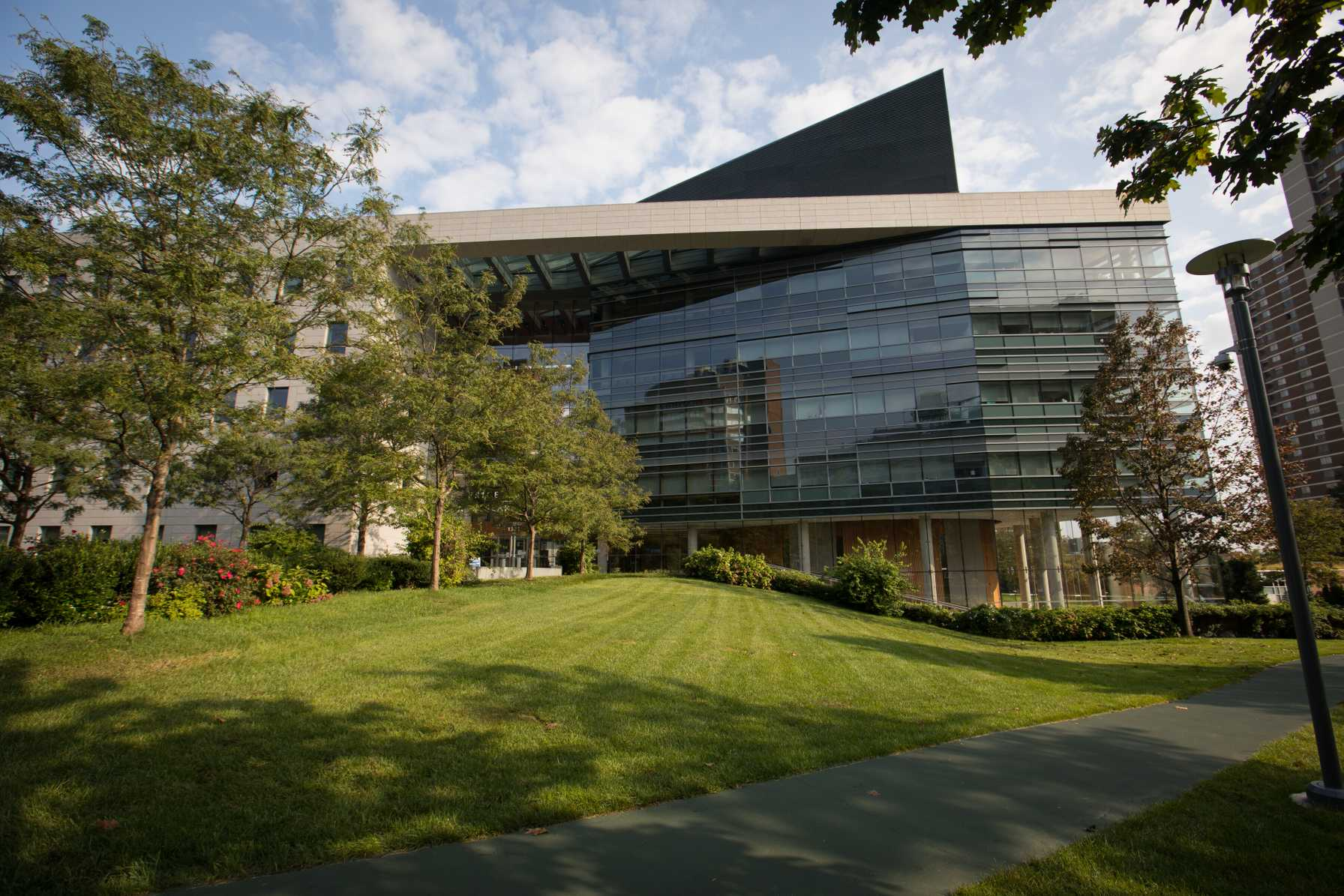 $5.1 million NCI grant awarded to Montefiore Einstein Cancer Center researchers
