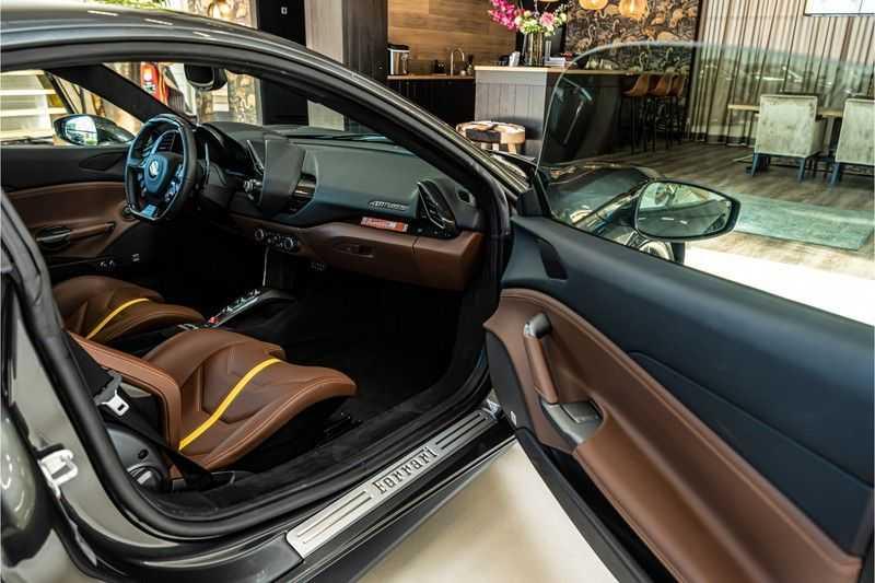 Ferrari 488 3.9 GTB HELE | Carbon | Passenger Display | Lifting | NP350.000,- afbeelding 25